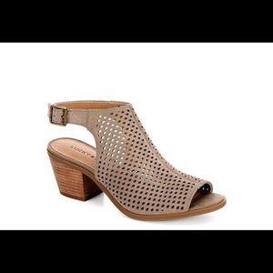 NWB Lucky Brand Bertel Sandal